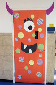 classroom door decorations for halloween. Simple Polka Dotted Monster Idea | Quick And Easy Halloween Classroom Door Decorations {OneCreativeMommy.com} For K
