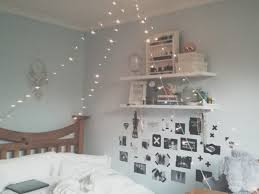 Idee Dipingere Mansarda : Camera da letto per mansarda ikea moderno interior home design