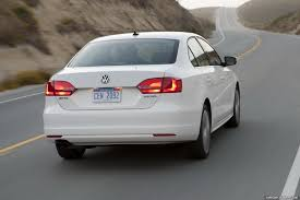 2011 Volkswagen Jetta: Performance Specs and New Photo Gallery
