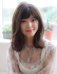 2019夏オススメ髪型透明感ヘルシーレイヤー小顔ボブディ ヘアカタログ