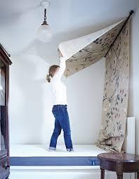 DIY: No-Sew Canopy Bed