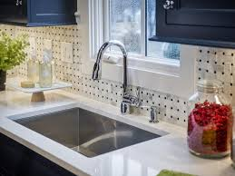 7) Make a Splash with Tempered Glass Countertops