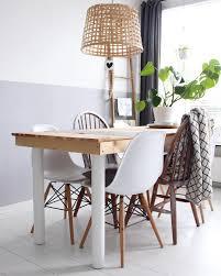 Natural Vibes Mit Einem Esstisch Und Stühlen Aus Holz Kommt