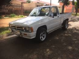 Toyota hilux hips for sale. With a 4y engine | Junk Mail