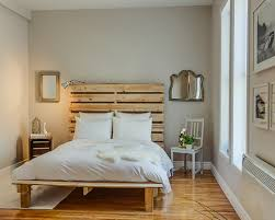 #9 WOODEN PALLET BED DESIGN WITH LEGS