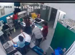 Resultado de imagem para imagem de escolas e bandidos armados
