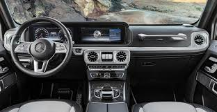 The profile is so dynamic yet timelessly elegant. Mercedes Benz Automaker Reveals Facelifted 18 G Class Interior Wardsauto