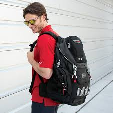 Photos  Ultimate Trackpack  Oakley Kitchen Sink  Squat The PlanetOakley Kitchen Sink Red