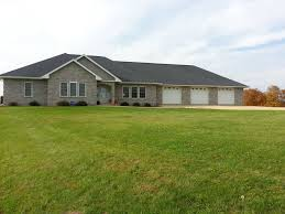 Country Kitchen Platteville Wi Full Brick Spacious Walkout 2006 Built Ranch Home With Shed On
