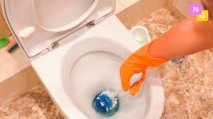 Чистка УНИТАЗА. Как отмыть туалет от налета и ржавчины ...