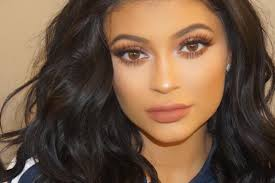 how to get kylie jenner s flawless look according to her make up artist
