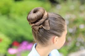Jednoduché A Trendy účesy Do školy 8 Elegantní Nápady Pro Každý Den