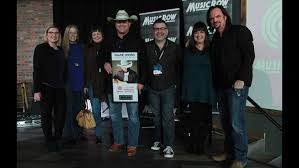 Shane Owens Presented With Independent Artist Of The Year