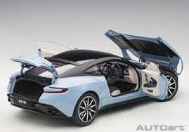 Modellbau Klar De Autoart Aston Martin Db11 Q Frosted Glass Blue 1 18 70268