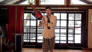 Guy Juggles <b>ChainSaw</b> and <b>Machetes</b> - YouTube