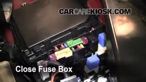 blown fuse check 2008 2013 nissan rogue 2008 nissan rogue sl 2 5 6 replace cover secure the cover and test component