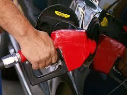 Resultado de imagem para R$ 4,22 é o preço médio da gasolina comum em Quixeramobim após o aumento