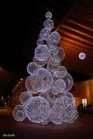 How To Make Outdoor Christmas Light Balls Christmas Light Balls Holiday Wonder Diy Christmas