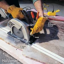 a circular saw and a garden hose is all you need to cut your marble slab