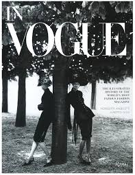 in vogue an ilrated history of the world s most famous fashion no coffee table book