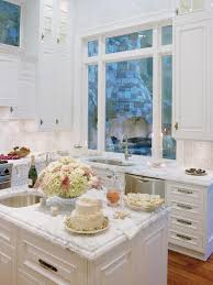 Cottage Style Kitchen Furniture Kitchen Style Kitchen Design Ideas Off White Cabinets Wainscoting