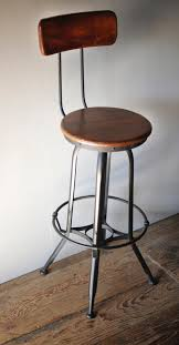 Image of: Industrial Swivel Bar Stools With Back