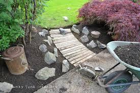pallet wood walkway in the garden