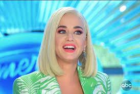 Последние твиты от mabrouk sonia (@somabrouk). Katy Perry Poils Sur Les Jambes Et Post Grossesse Elle Revele Ne Plus Se Raser Ni S Epiler Depuis Qu Elle Est Maman