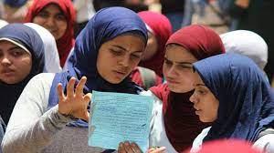 وجود أمنى مكثف بمحيط مدارس الهرم فى اليوم الأول لامتحانات الثانوية العامة