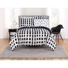 com white bedding bed