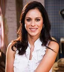 ANA PAULA OLIVEIRA. Idade: 31 anos. Profissão: assistente de arbitragem. Ana Paula é paulista e ficou famosa nos gramados como bandeirinha. - ana-paula-oliveira-286x320