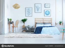 Schönes Schlafzimmer Mit Frisiertisch Stockfoto Photographeeeu