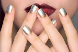 silver and gold line nail art