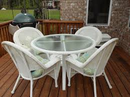 White Wicker Patio Furniture Set Pleasant White Wicker Patio