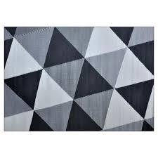patio mats garden treasures 5 ft x 7 ft outdoor patio mat geometric triangle