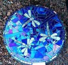 mosaic stepping stones another beautiful mosaic stepping stone on my crafting agenda stones patterns stained glass mosaic stepping