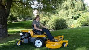 the walker model b18 commercial lawn mower