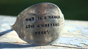 difference between raven and writing desk