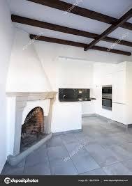 Küche Im Offenen Raum In Der Nähe Von Wohn Und Esszimmer Mit