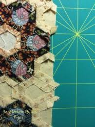 How to Finish Your Hexagon Quilts ~ Nice tutorial on how to finish ... & Hints for finishing a hexagon quilt from Jo Morton Adamdwight.com
