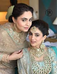prerna khullar is one of the most renowned names in the indian beauty industry she has received training from various world renowned makeup artists and