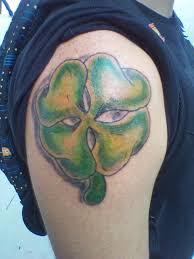 48 Tatuaggi Di Trifogli Con Quattro Foglie
