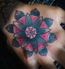 тату мандала на кисти Tattoografika