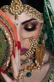 bridal eye makeup regime does not depend merely on the makeup artist it depends on the time the bride invested on making her eyes look good for the day