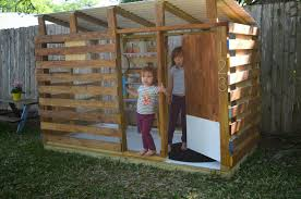 31 free diy to build for your kids secret hideaway ingenious inspiration 9 easiest playhouse plans 17 best ideas about modern kids playhouses on