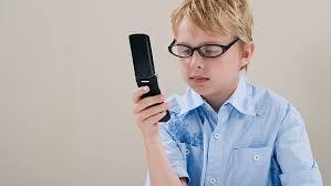 Image result for نوجوان و تلفن همراه