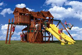 Cool Treehouses For Kids Cool Cubby With Slides Monkey Bars And Swings Cubby Tree Houses