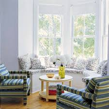Sarah Jessica Parker Hamptons house bay window seat
