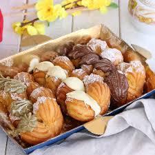 I via col vento sono una ricetta di dolci tipici della Campania che si  preparano con una pasta choux arricchita di crema pasticcera… | Ricette,  Ricette dolci, Dolci