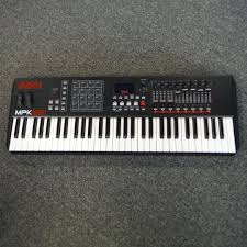 music go round kenosha used guitar shop drum keyboard pro sound picture of used akai professional mpk261 61 key controller